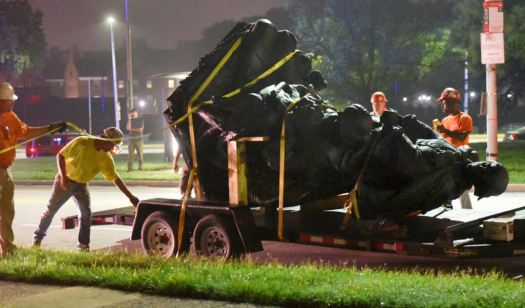 baltimore-statue-removed.JPG